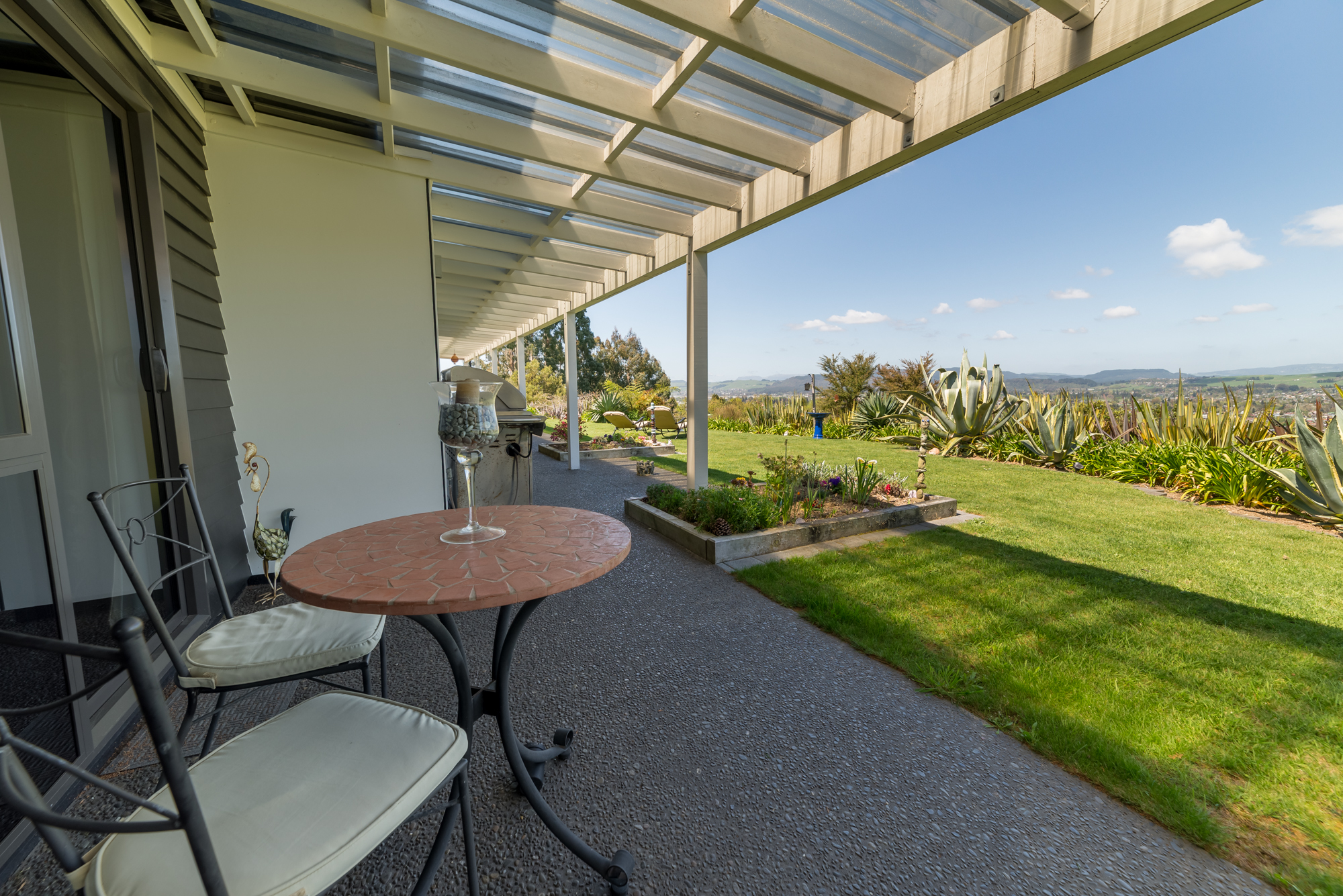 Tui suite outdoor seating area